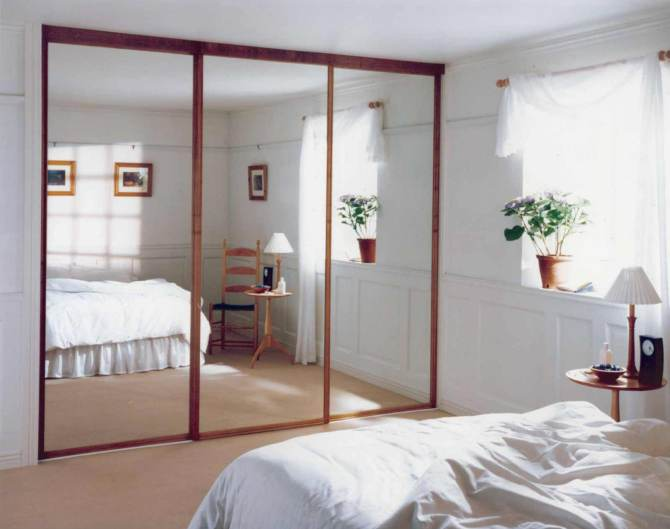 Movable-glass-wall-door-for-bedroom